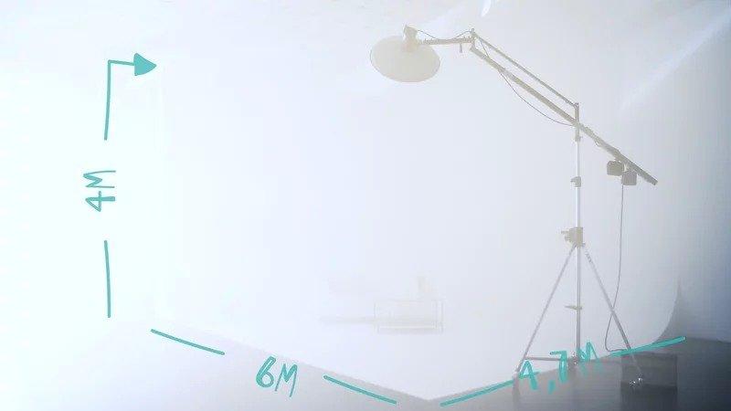 Promozione del mese. Sala posa fotografica con limbo di Loomen Studio, via del Mandrione, Roma.